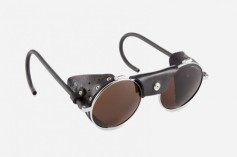 buyers-guide-backpacking-accessories-julbo-classic-vermont-glacier-glasses-630x419